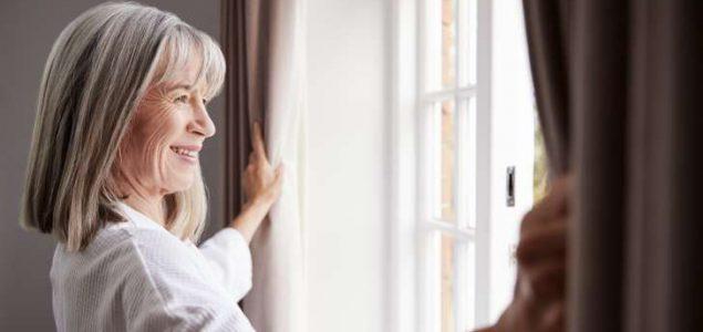 Božica Jelušić: O važnosti gledanja kroz prozor