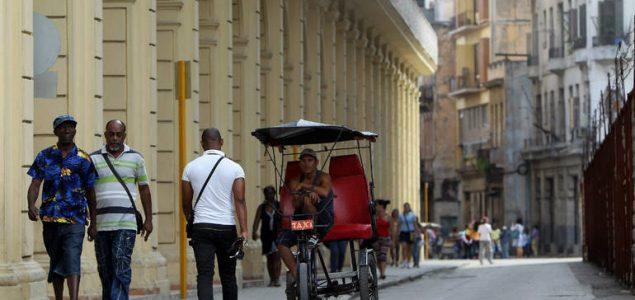 SAD pooštrava trgovinski embargo protiv Kube