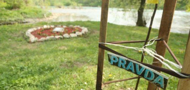 PRAVDA ZA DAVIDA: Komunalna policija uklonila Davidovo srce i sadnice dunje
