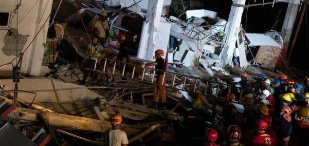Potraga za stradalim nakon zemljotresa na Filipinima