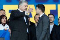 Zelenski i Porošenko razmijenili optužbe pred 22.000 ljudi