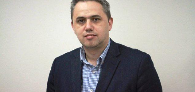 Nezavisni blok: Neprihvatljive su prijetnje novinaru Nikoli Vučiću i njegovoj porodici