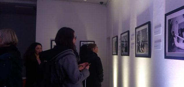 """Izložba fotografija Paul Lowea """"Čekajući Godoa: Susan Sontag u Sarajevu"""""""
