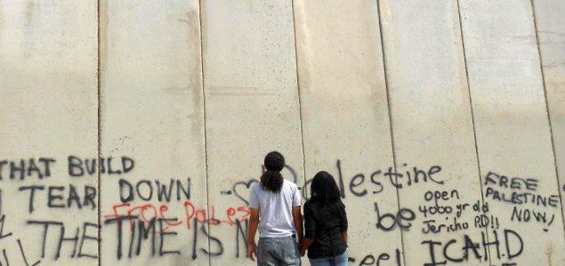 Kako srušiti začarane zidove?