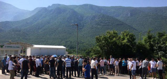 Protestna vožnja i mirno okupljanje građana na Uborku