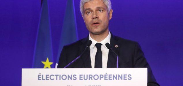 Francuski konzervativci i njemačka SPD: Izumiranje dinosaura