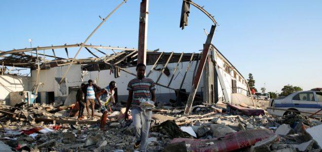 Desetine mrtvih u napadu na migrantski centar u Tripoliju
