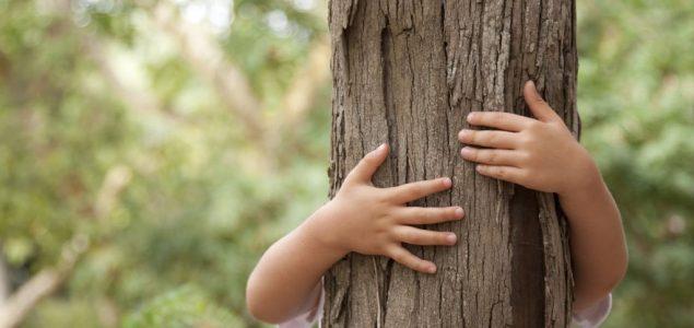 Zasadi drvo, zasadi svoj kiseonik: Povežimo decu s prirodom