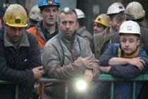 Zenički rudari u suzama nakon skoro dva dana izašli iz jame: Neka se ne igraju s nama