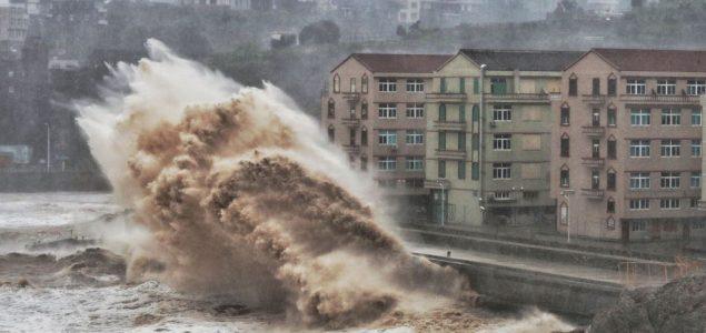 Tokio: U naletu tajfuna jedna osoba stradala, nekoliko povređenih
