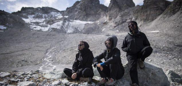 Zbogom Pizolu: Švajcarci organizovali sahranu za nestali glečer na Alpima