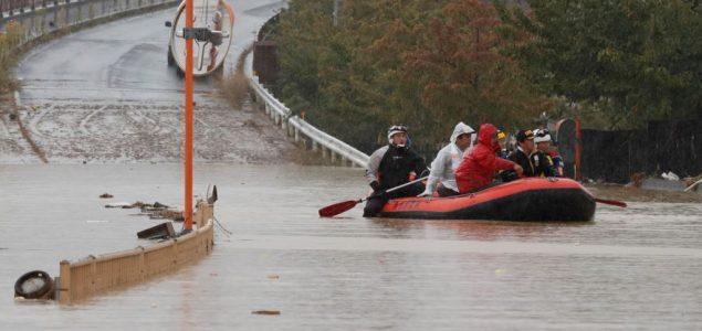 Broj poginulih u tajfunu u Japanu porastao na 74