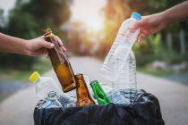 Učenici gimnazije u Beogradu sakupljaju smeće kako bi platili troškove mature