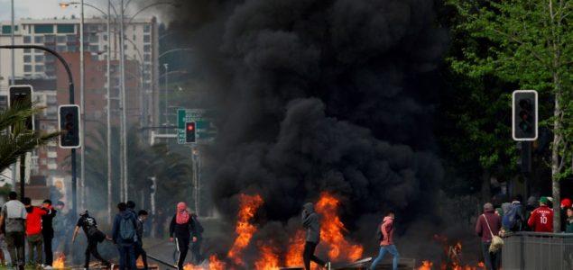 Hiljade Čileanaca marširalo zahtevajući bolje socijalne usluge