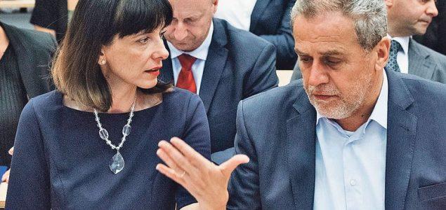 Frontalna blokada hrvatske pameti, ostavki ni za lijek