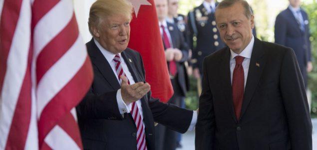 Erdogan u Bijeloj kući – gost kojem se jedino Tramp raduje