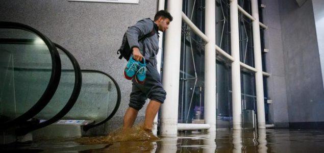 Najmanje osam ljudi poginulo u snažnim olujama u Španjolskoj i Portugalu
