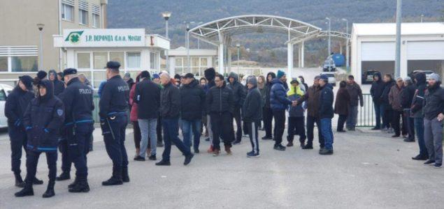 Policija nije uspjela probiti blokadu građana na deponiji Uborak kod Mostara