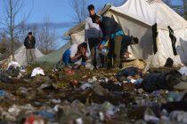 Počelo premještanje migranata i izbjeglica iz Vučjaka
