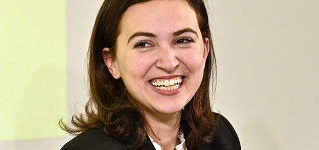 Tirkizno-zeleni ministar Alma Zadić: Od djeteta izbjeglice do ministra pravde