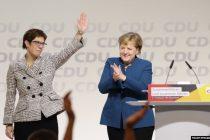Odlazak 'mini Merkel' otvara pitanje političkog smjera Njemačke