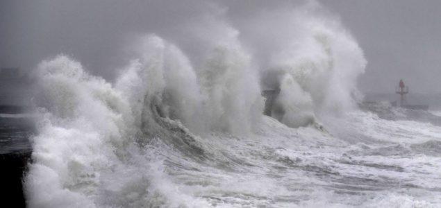 Kjara stigla do Korzike, vetar do 220 kilometara na čas