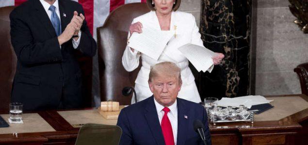 Trump : Amerika snažnija nego ikada