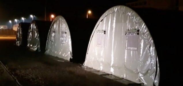 Šatori na granici su obična farsa, nijedan putnik nije zadržan u njima