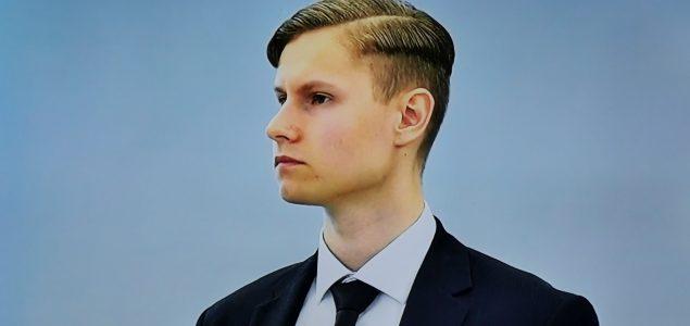 Počelo suđenje neonacisti Philip Manshausu na sudu Asker i Bærum