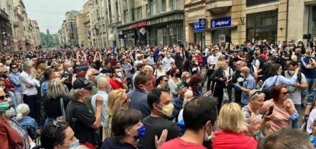 Svijet se opet divi Sarajevu: Svjetski mediji prenijeli vijest o protestima protiv fašizma