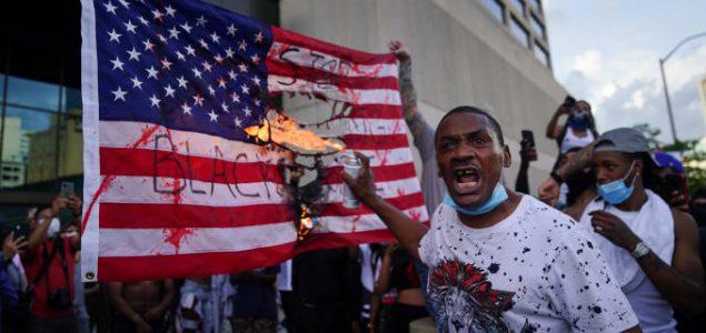 Šest policajaca iz Atlante optuženo zbog pretjerane sile na protestima