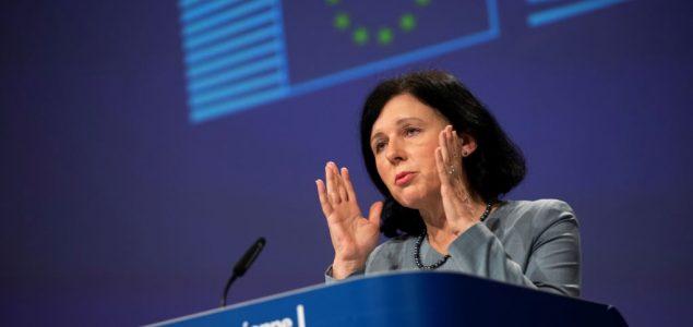 Brisel upozorava na dolazeći talas lažnih vesti o vakcinama