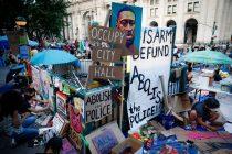 Demonstranti u New Yorku zahtijevaju smanjenje budžeta policije