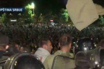Video: Haos u Beogradu, sukob policije i demonstranata