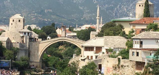 HDZ u Hercegovini se nakon pet godina sjetio konstitutivnosti Srba, a i dalje ignorišu bosanski jezik