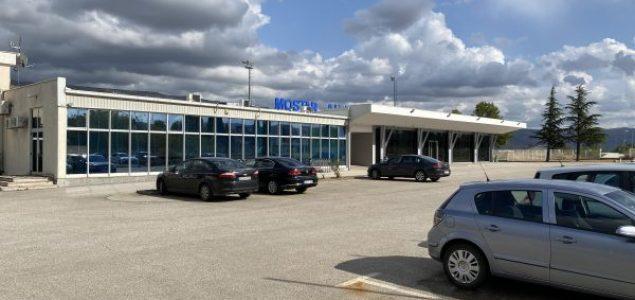 Kroz mostarski aerodrom ove godine nije prošlo ni 1.000 putnika, a gradska vlast uporno šuti