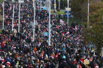 Hiljade na protestu u Minsku uprkos policijskim pretnjama silom