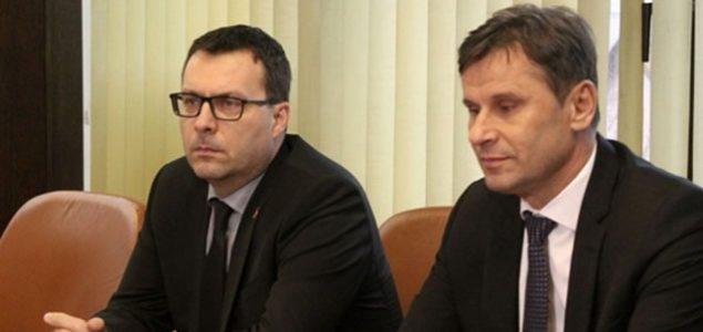 GRAĐANI PONOVO PLAĆAJU TUĐI NERAD: Da bi odbranio direktora Misiraču, ministar krivicu prebacuje na Aluminij