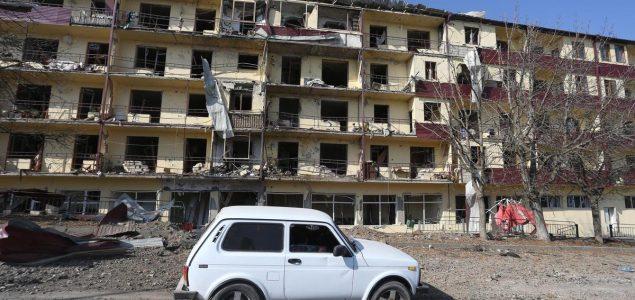 Azerbejdžanska vojska ulazi u Aghdam dok Armenci bježe