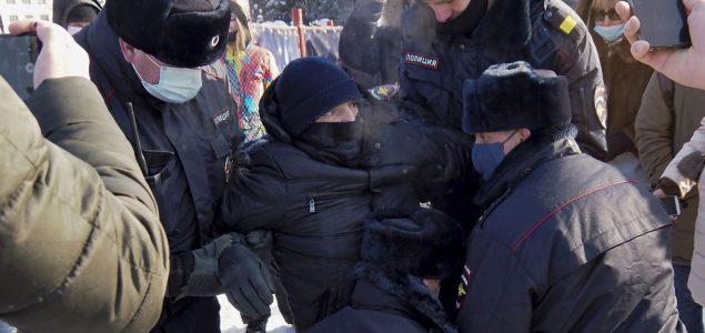 Uhapšena Navalnijeva supruga, saradnici i više od 2.800 pristalica na protestima širom Rusije