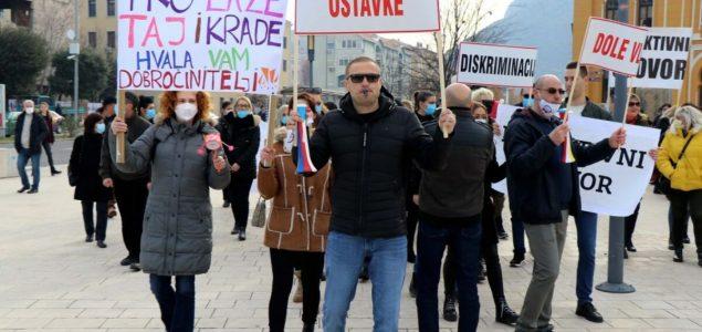 Medicinski radnici u Mostaru petu noć u šatoru: Ovo je borba za opstanak i dostojanstvo