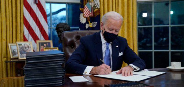 """Biden ukinuo Trumpovo """"pravilo protiv pobačaja"""" i proširio Obamacare"""