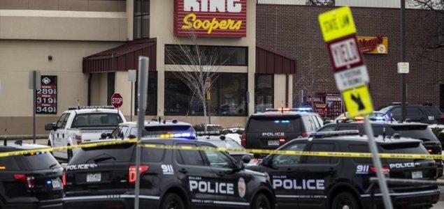 SAD: Deset mrtvih u pucnjavi u supermarketu