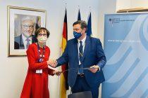 Njemačka ambasada u BiH potpisala ugovor o hitnoj pomoći u borbi protiv korone