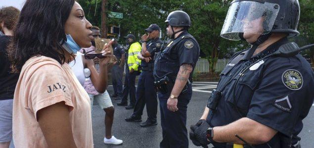Policija protiv siromašnih
