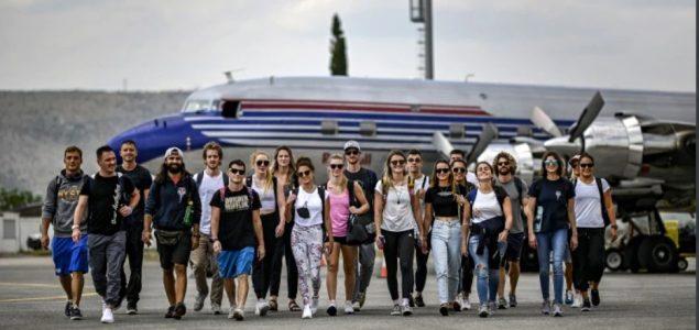 Svjetska cliff diving elita stigla u Mostar nekadašnjim Titovim avionom