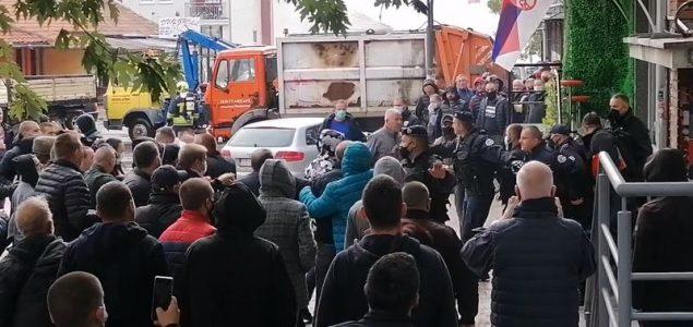 Tokom sukoba na Kosovu jedna osoba teško ranjena, ROSU se povlači